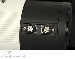 Zoom and focus control knobs