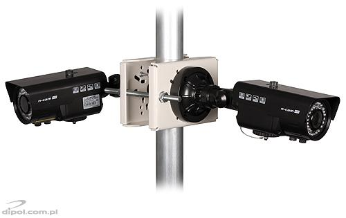View of the clamp on a Ø50 pole, with n-cam 670 M11284 cameras